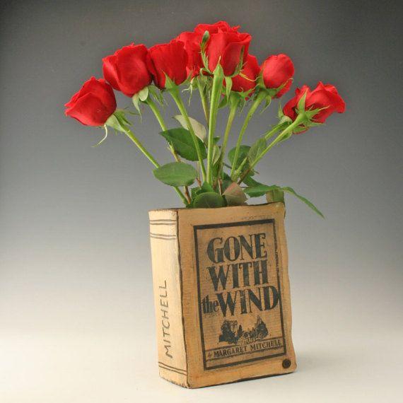 keramische vaas voor boek minnaar, gegaan met de wind, de vaas voor boekenliefhebbers, geschenk voor de liefhebber van het boek, als cadeau voor lezers, Margeret Mitchell, Shikha
