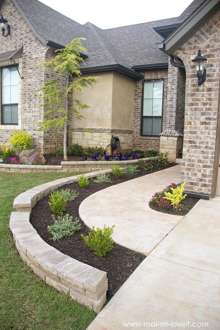 25 best front walkway landscaping ideas on pinterest for Front lawn landscaping