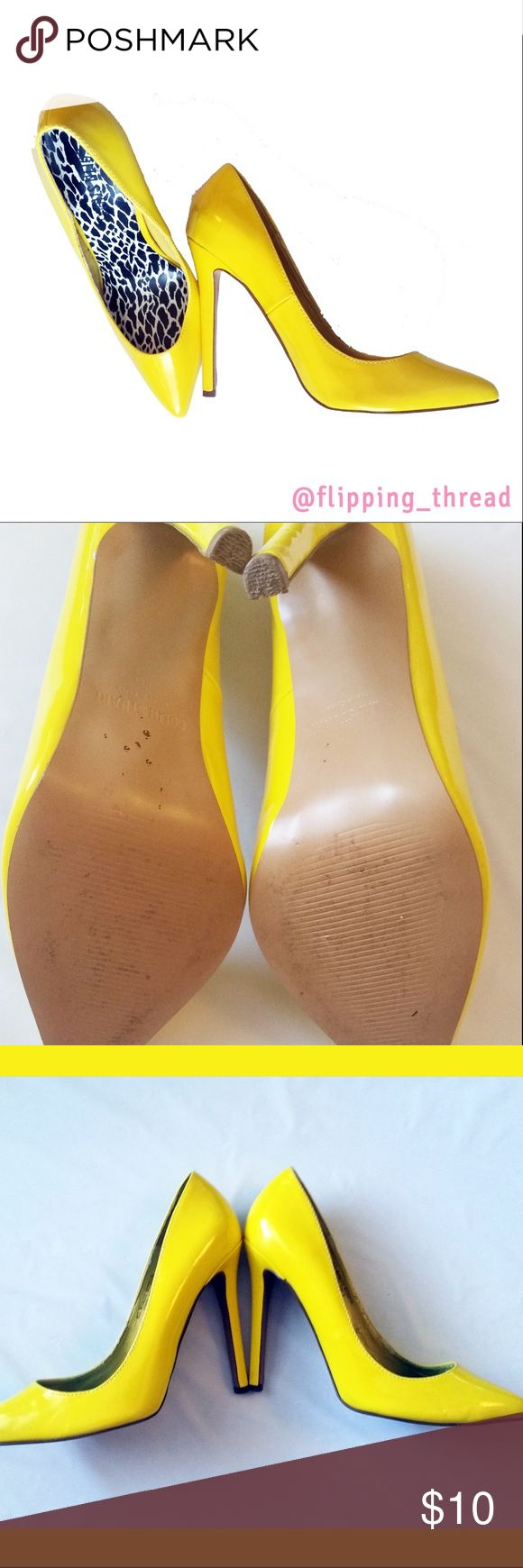 Colin Stuart Canary Yellow Stilettos - Size 8M Colin Stuart Canary Yellow Stilettos - Size 8M  Why not jazz up your outfit with a pair of fun colored yellow heels.  Good condition,  pre-loved.  Soles have normal/light wear.  Insides  have some wear/damage around the stitching. Price reflects this.  Heels: 4 in Colin Stuart Shoes Heels