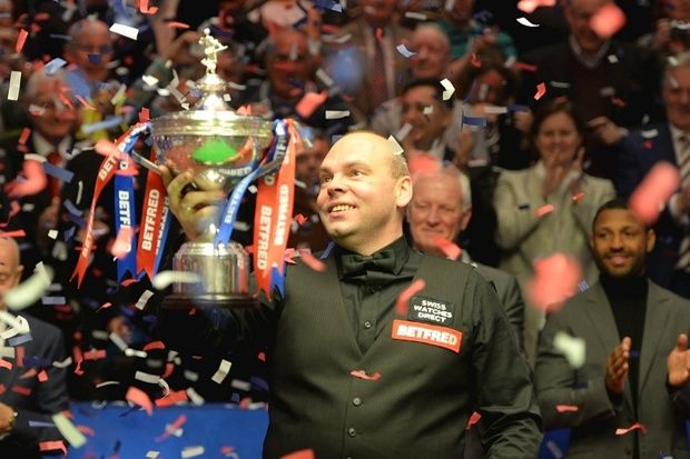 Stuart Bingham completed his remarkable ascent from journeyman to world champion last night with a fairytale success at the Crucible Theatre, Sheffield. The 38-year-old from Basildon beat Shaun Murphy 18-15 to become the oldest first-time winner of the Betfred World Championship since Walter Donaldson in 1947. Bingham achieved his dream the hard way, knocking out two title favourites in Ronnie O'Sullivan and Judd Trump in the quarter and semi-finals.