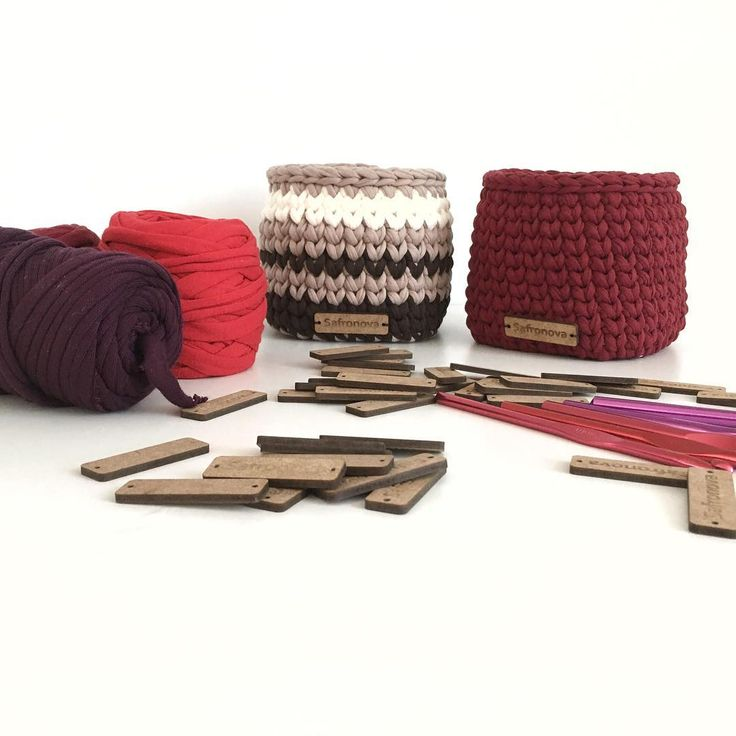 Buen domingo por la mañana 😊 En la foto de punto cestas disponibles a pedido en diferentes dimensiones 12x12 tsvetah😻 trikotazhnayapryazha # # # korzinyiztrikotazhnoypryazhi vyazanyekorziny cesta # # # korzinynazakazkiev korzinynazakaz korzinyvinterere # # # vyazanyydekor elementydekora predmetyinterera # # # # Accesorios vyazanyeaksessuary vyazanyeizdeliya #knitting #knit #crochetbasket #organized #cottoncord #basket #trapilloyarn # artesanal #crochetaddict #tshirtyarn #fabricyarn