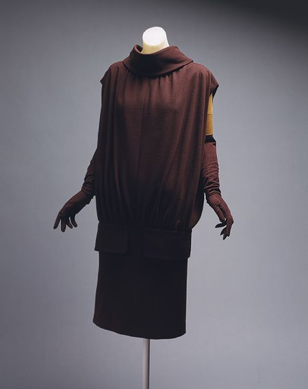 """Cristobal Balenciaga 1955–56 Again showing a vast difference to the """"New Look"""" emphasis away from waist and skirt not as full."""