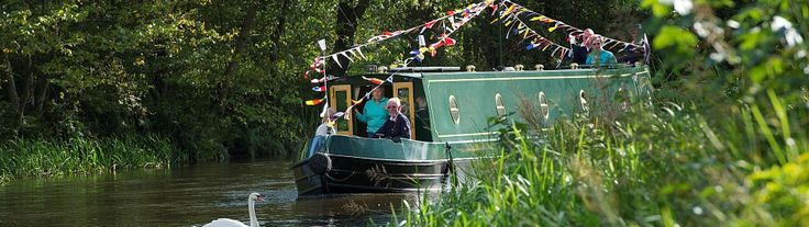 Scottish Canals: Boat hire on the Union Canal, Scotland, UK