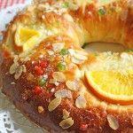 El Roscón de Reyes es una de esas tradiciones y recetas que yo creo que no se perderán nunca porque todos las adoramos y esperamos cada año que llegue otra vez el momento de probarlas.. Si hay algu