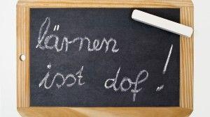Herrlich geschrieben. Auch wenn ich mit der Aussage nicht einverstanden bin... Von Päda.logics! gefunden auf der Pinwand der Süddeutschen. Beratungen im pädagogischen und sozialen Berufsfeld: www.paeda-logics.ch oder www.facebook.com/paeda.logics