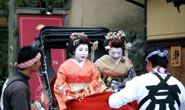 Ett par dagar i lugna Kyoto är en bra start på en vistelse i Japan. Här en liten grundkurs i det traditionella Japan – geishor, tempel och zenträdgårdar – samtidigt som det ultramoderna landets alla förströelser finns inom räckhåll.