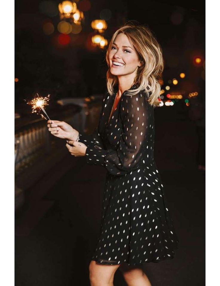 Robe noire à motifs dorés, Caroline Receveur x Morgan, 75€