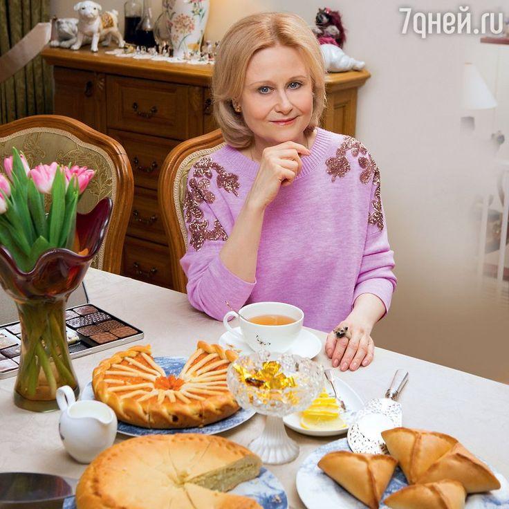 Рецепты от Дарьи Донцовой: скумбрия вбанке, куриный рулет впакете из-под молока имясные кексы