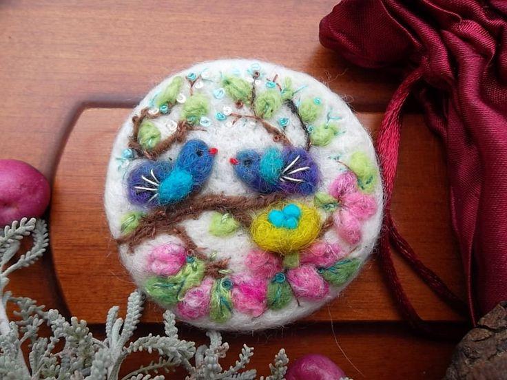 needle felted bird brooch felt bird nest easter gift wool felt animal jewelry Japan art bird lover gift birthday for her sister by MondoTSK on Etsy