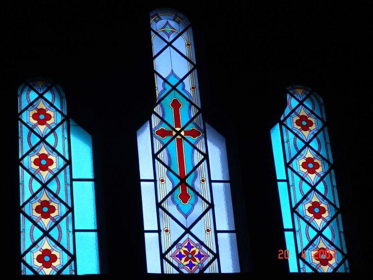 Βιτρό σε παράθυρα Ορθόδοξου ναού