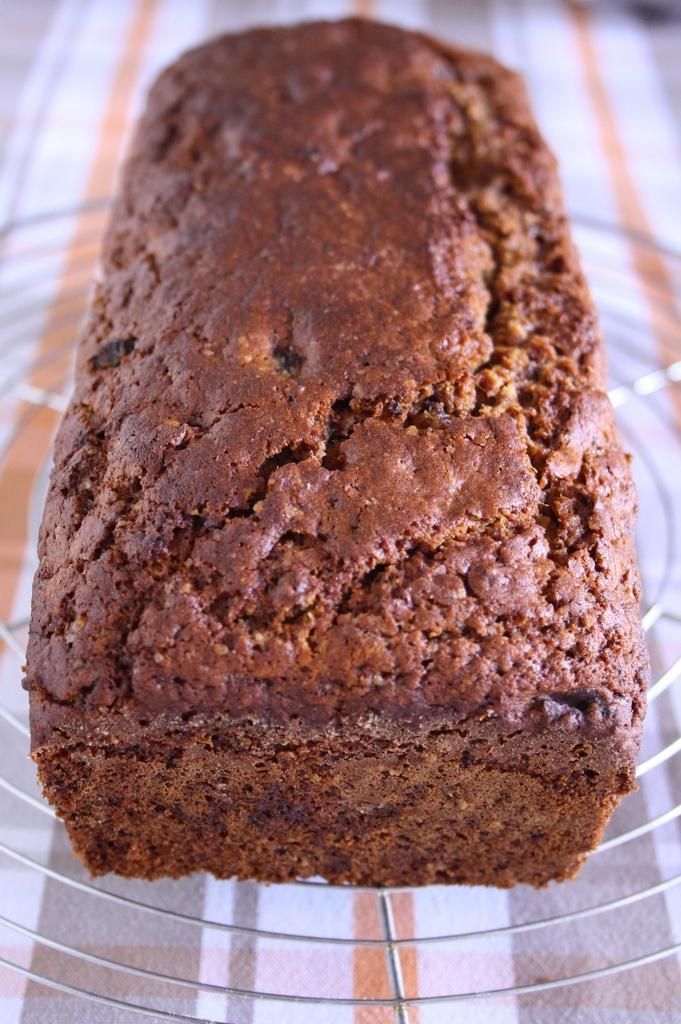 dried dates and walnuts breakfast bread// pane ai datteri secchi e noci per la colazione