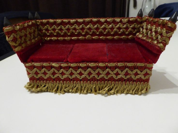VINTAGE RARE TRIANG QUEEN ANNE PERIOD KNOLE SETTEE   eBay