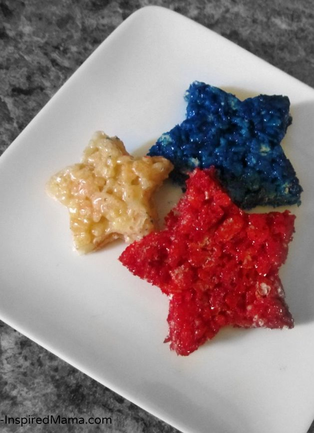 Patriotic Rice Krispie Treat Stars - #ad #CookwithSpreads