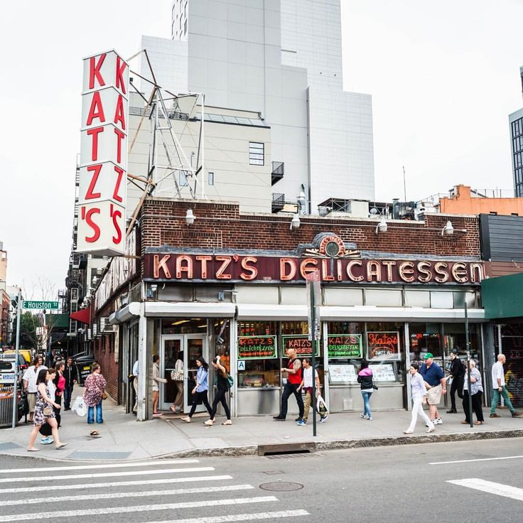 """Gefällt 112 Mal, 3 Kommentare - Daniel Laqua (@daniel_laqua) auf Instagram: """"Go to NYC! And go there to eat the one and only pastrami sandwich at Katz's Delicatessen NYC #2015…"""""""