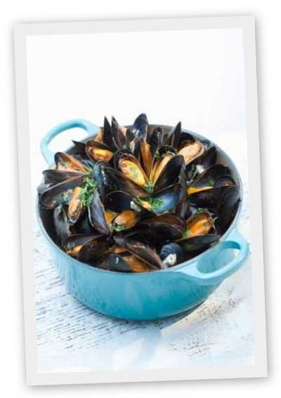 Mmm Mussels, Breton style. This is a typical dish found in restaurants in Brittany and normally served with fries
