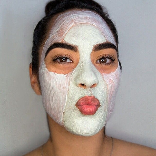 Multi-masking, never heard of it? Let us enlighten you. Get your two fav masks (obviously, Liquid Gold mask and Balancing & Pore Refining Mask) and only use in specific areas the mask is needed. Clogged t-zone, clay mask it. Dull areas, whip Liquid Gold mask on it. #Masks #Facial #MultiMasking #AlphaH