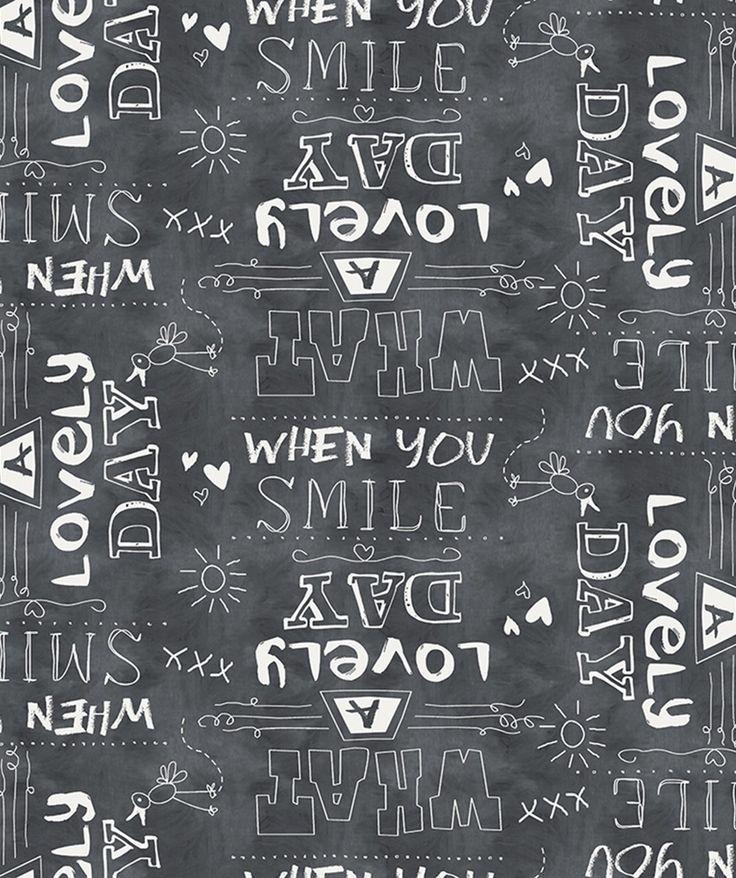Tafelzeil Lovely Day Antraciet - Tafelzeil met gezellige print van vrolijke teksten op een antraciet ondergrond. Dit tafelzeil heeft een zachte 'non woven' vliesrug. De onderrug bestaat hierbij uit een samenstelling van polypropyleen. De bovenkant is gemaakt van PVC. Kies de gewenste lengte in het menu en we snijden het tafelzeil voor u op maat.