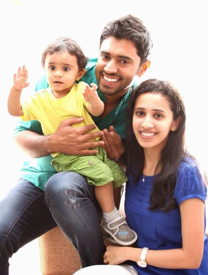 Nivin Pauly With his Family