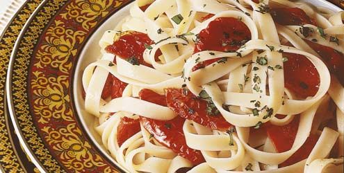 Talharim com tomate seco