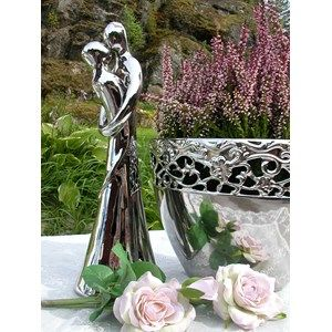 Figur i sølvfarget keramikk