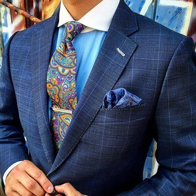 By @kingbrosclothiers colored buttonhole. Blue windowpane suit. Craft stitching. #details