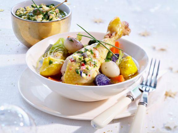 Poularde mit kleinen Gemüse und Kapernsauce ist ein Rezept mit frischen Zutaten aus der Kategorie Zwiebelgemüse. Probieren Sie dieses und weitere Rezepte von EAT SMARTER!