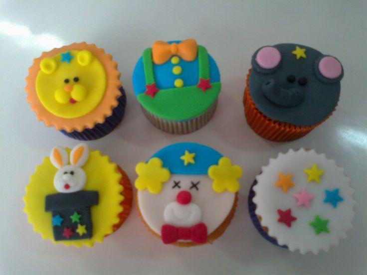 cupcakes decorados tema circo - Pesquisa Google