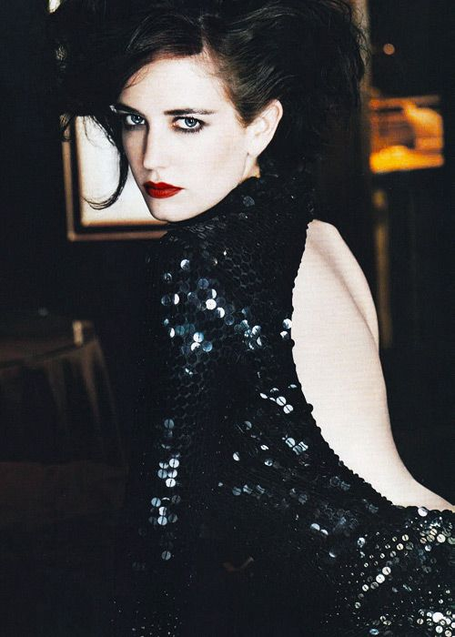 Quite possibly the sexiest woman alive. Eva Green, hooded eyes makeup   Read More : http://bronzelife.info/beautiful-faces-19/