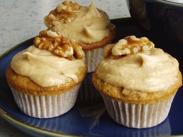 Walnut decorated mini coffee cakes | Cupcakes and Muffins | Pinterest