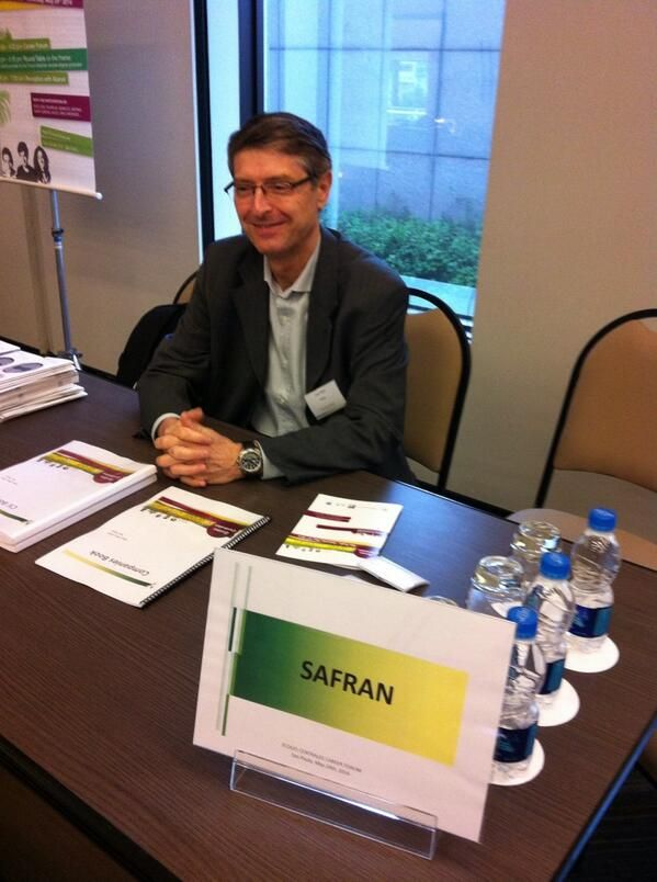 Gérald Farrenc, alumi of Centrale Paris & VP of SAFRAN for #Brazil all set up for the #CentraleCareerForum