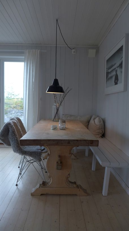 Scandinavian Retreat: My Cabin: Finally done with the bench