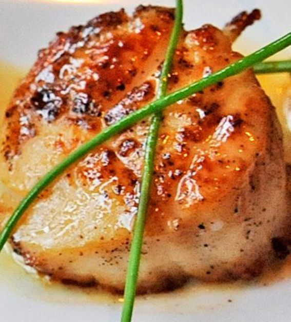 How to make SSS - Simply Seared Scallops    The best way to make scallops and in just a few minutes: