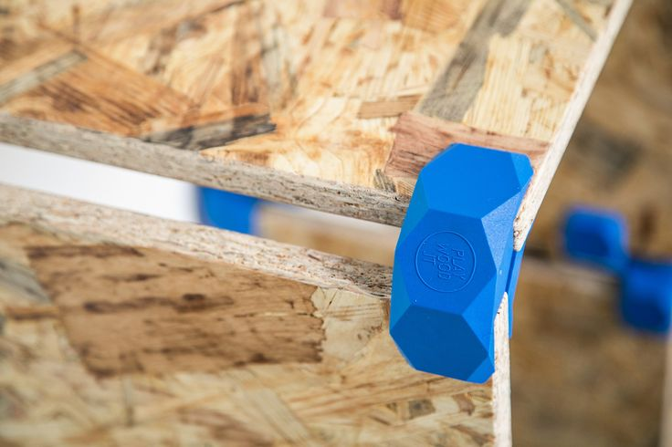 The connector is simple, safe and fast to use. Forget to drill and nail. Using OSB can be a cheap way to get the best from your furniture, staying focused on design.  #playwood #connectors #osbfurniture #osb #opensourcefurniture #openfurniture #opendesign #creativecommons #joints