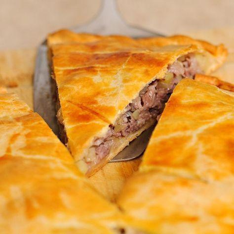 Вкуснейший пирог с мясом на скорую руку