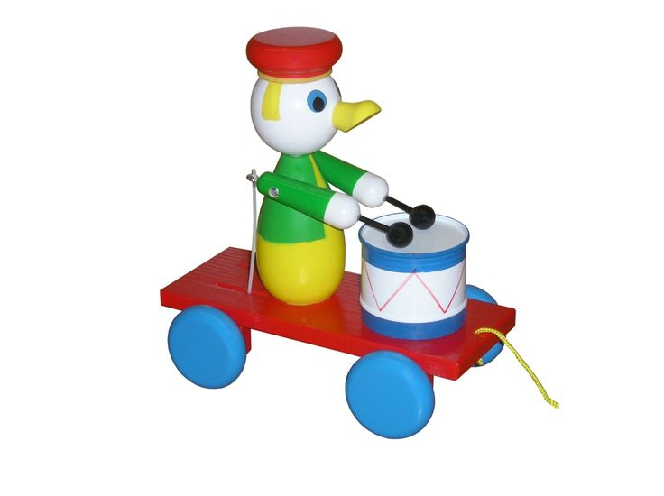 Pull-along duck with drum