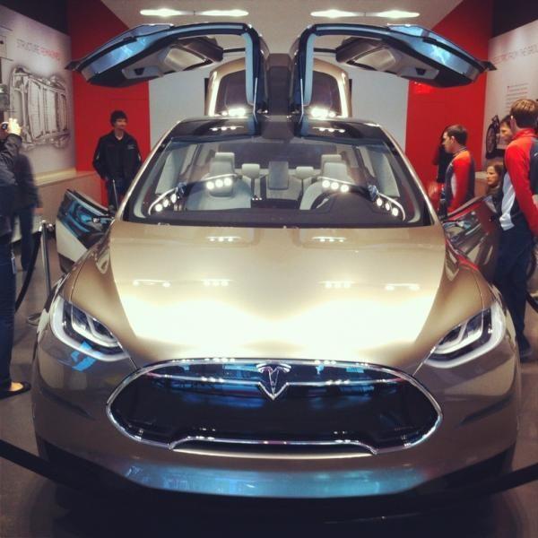 Falcon Tesla Model Doors With Wing Open Xtesla Model X With Falcon Wing Doors Open Tesla Model X Tesla Model Tesla Car