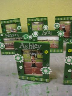 Crafts and Crap: Cheer Frames