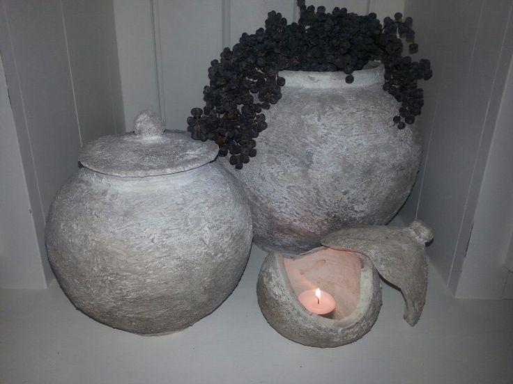 Mooie bewerkte potten