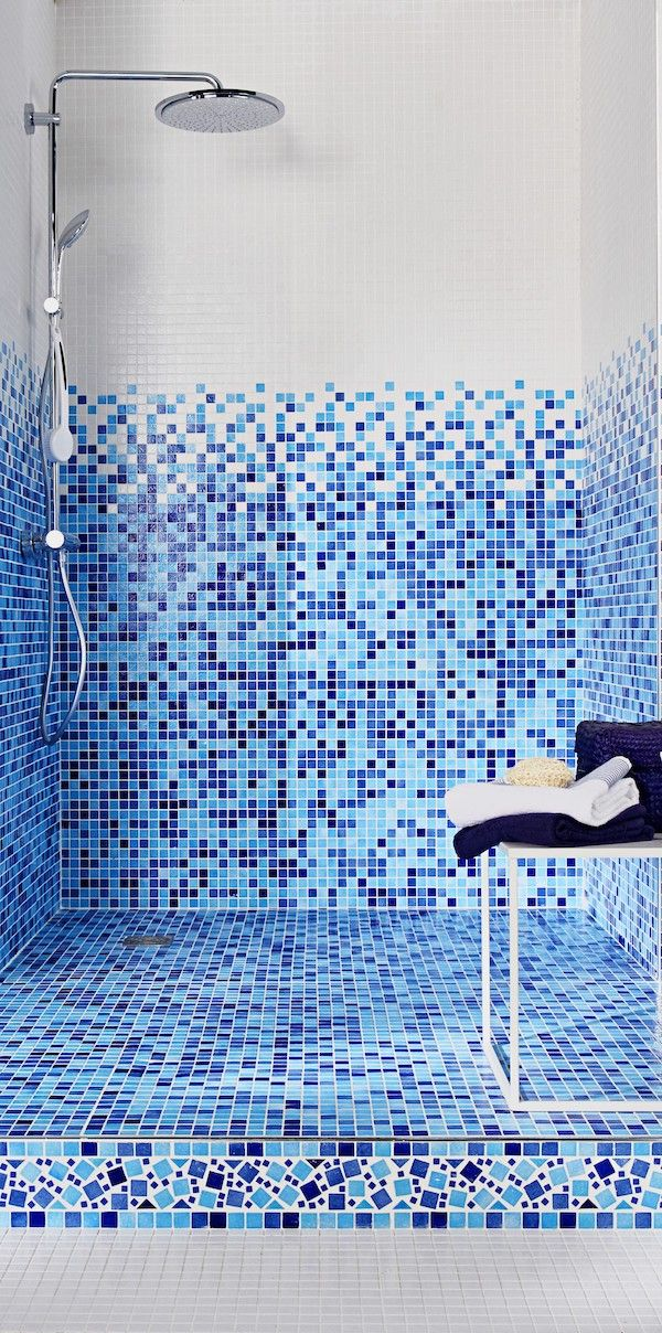 Jouez Avec Les Couleurs Dans Votre Salle De Bains Avec Le Carrelage Mosaique Harmonie Ces Carreaux Antiglissant Existent E Carrelage Mosaique Mosaique Lapeyre