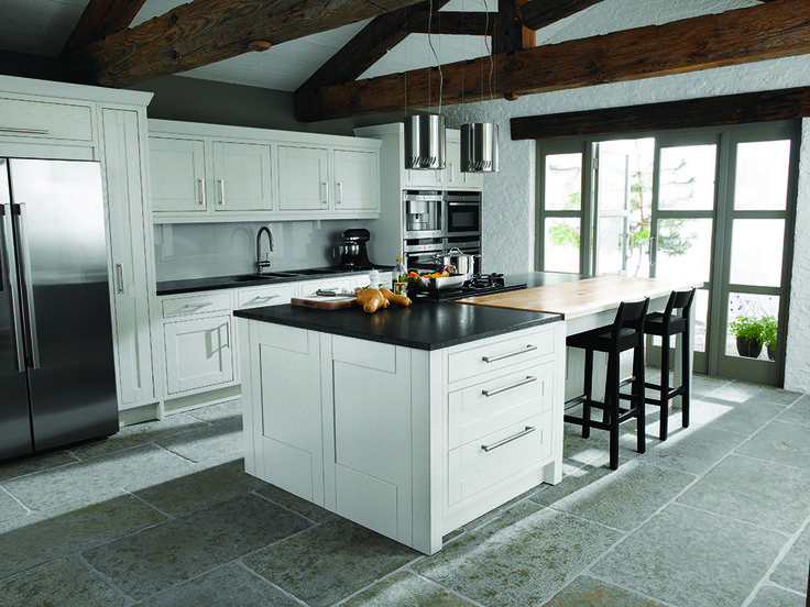 Black And White Scheme In This Milton Chalk Kitchen