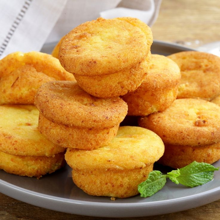 cheese muffin recipe is made with cornmeal, yogurt and cheddar cheese ...
