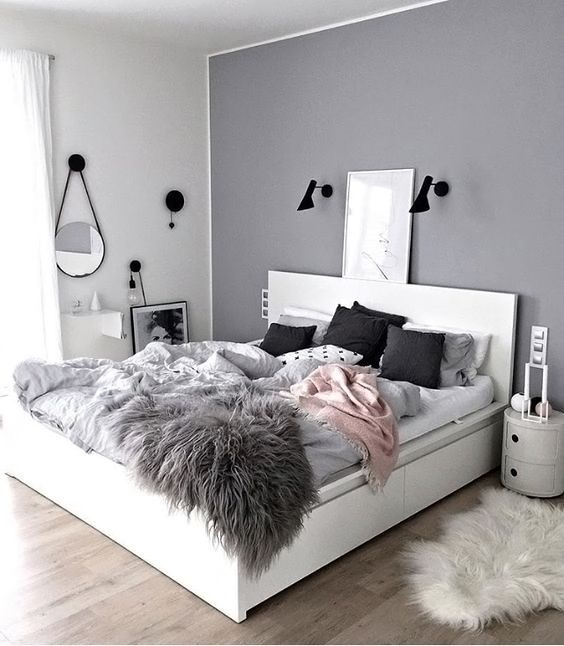 Love this beautiful grey and pink bedroom ♡