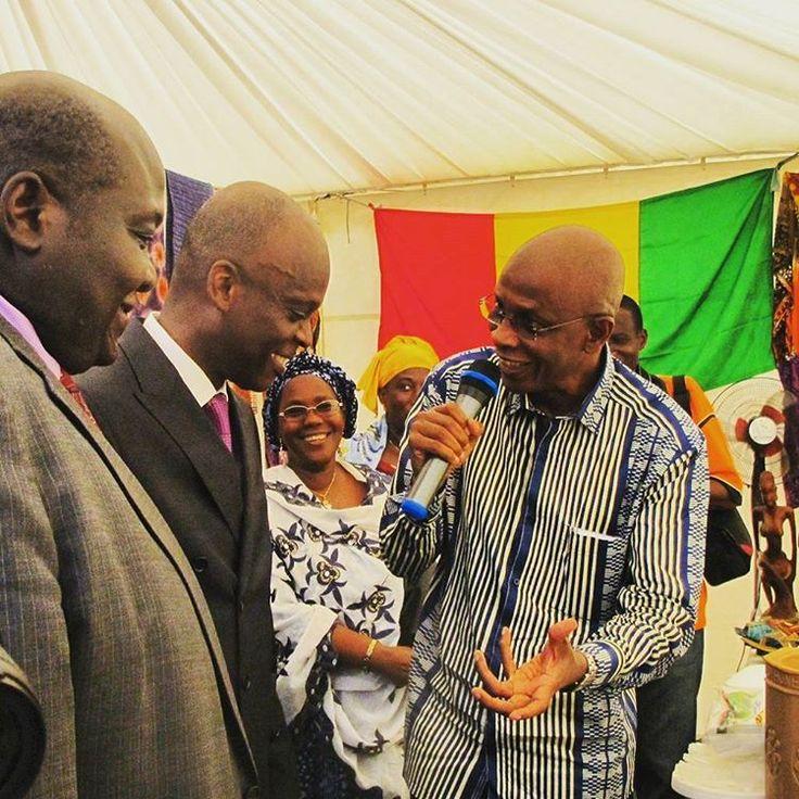 Stand de la Guinée Conakry avec Le consul honoraire et le ministre E. Ohin à la semaine de l'intégration Africaine