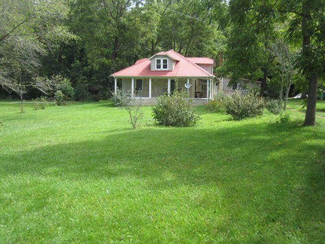 157 Arnold Town Rd, Mountain City, TN 37683