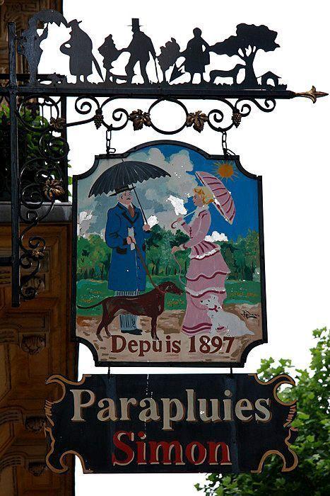 Détails… Parapluies Simon, 56 Boulevard Saint-Michel, Paris 6e.