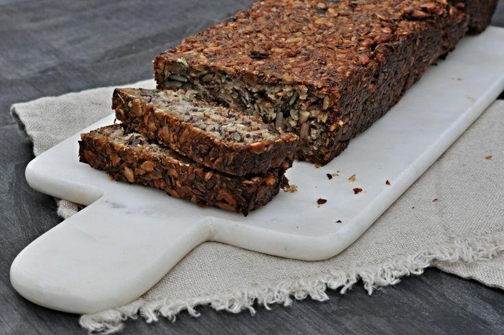 Kitchen story | Bezlepkový chleba se semínky | http://www.kitchenstory.cz