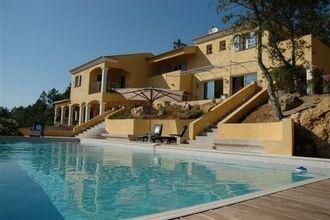 Prachtig gelegen villa met zwembad en adembenemend uitzicht op 10.000 m² nabij de Baaij van St. Tropez #Belvilla #vakantiehuis #Frankrijk #Provence #Cote #Azur #vakantiehuizen #vakantie #travel #holidayhome #France #Frankreich