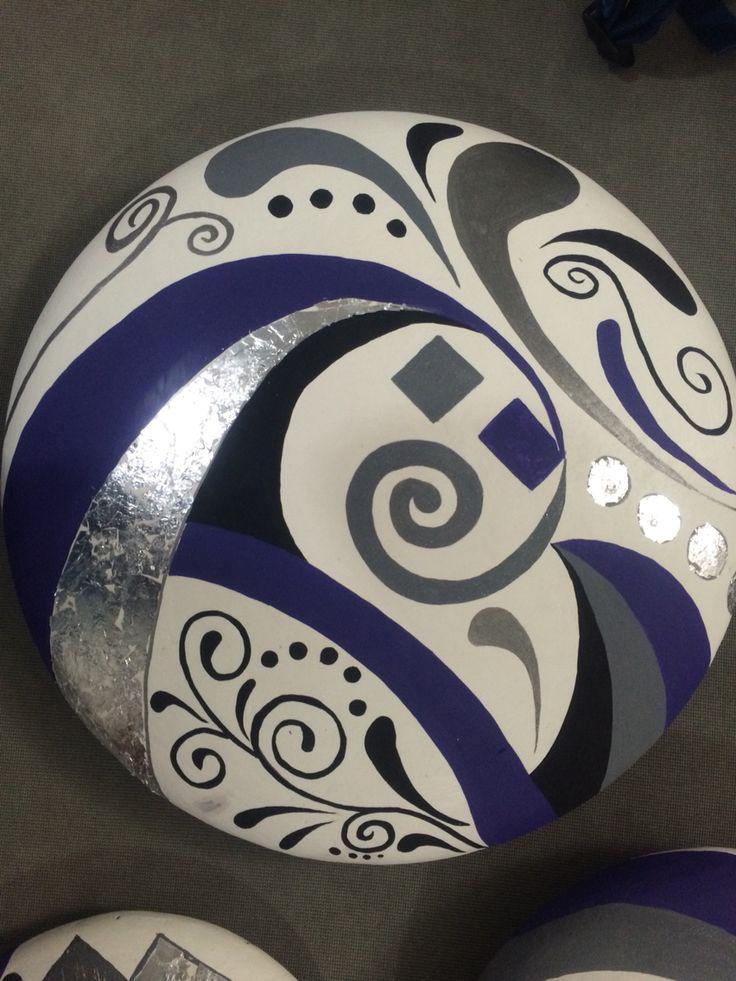 Juego de platos en ceramica pintados con acrilico, y textura con hoja de foil