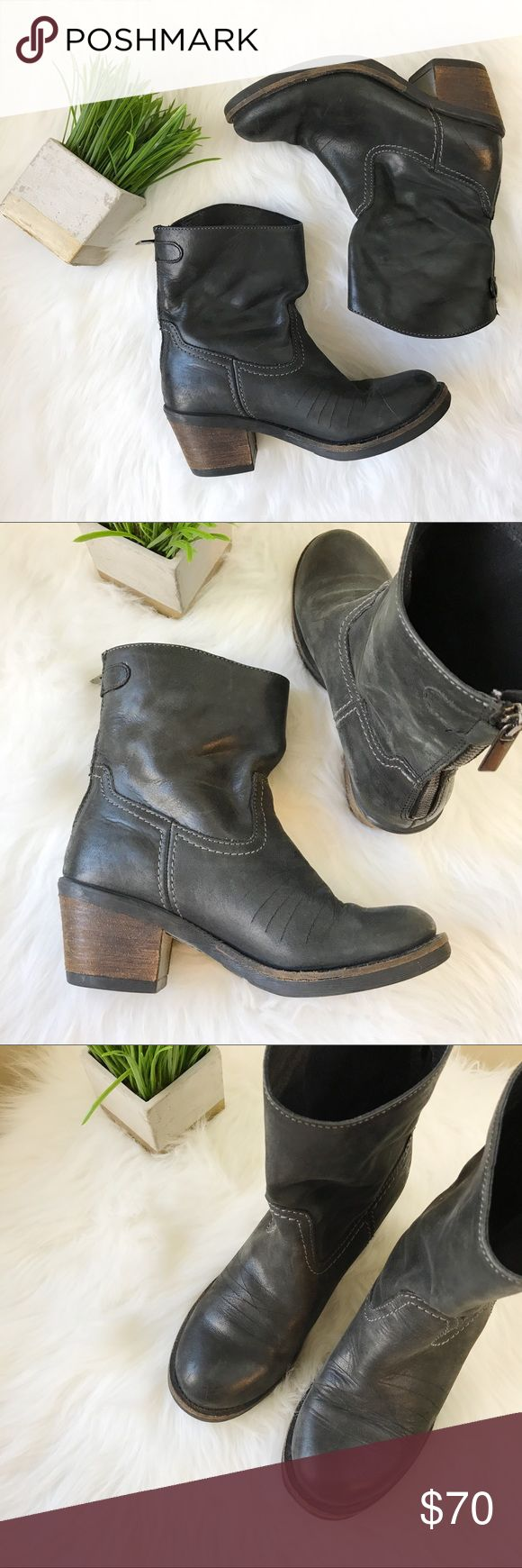 7 | Black Steve Madden Gunter Boots Black leather mid calf Steve Madden boots. Named Gunter, size women's 7. Zip and button detail in back. Steve Madden Shoes Ankle Boots & Booties