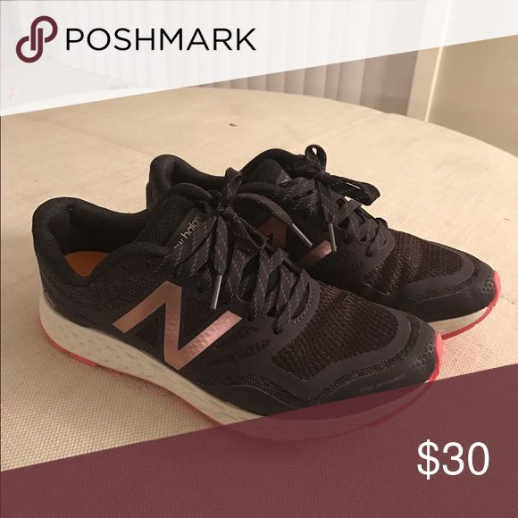New Balance sneakers Fresh Foam Gobi Trail 8.5 Fresh Foam Gobi Trail Style #: WTGOBIGP Size: 8.5 - B Dark Grey with Pink New Balance Shoes Sneakers